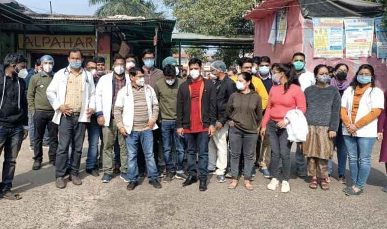 Junior Doctors on Strike: बिहार में जूनियर डॉक्टर हड़ताल पर, स्वास्थ्य सेवा चरमराई